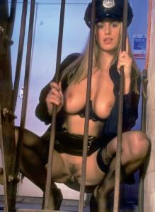 Tyske model Adele nøgen billeder | politibetjent